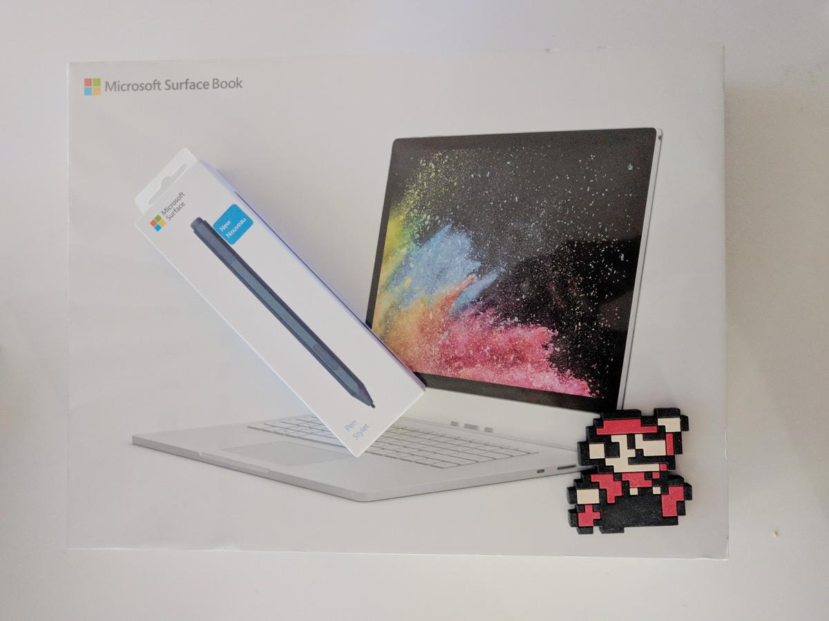 Nueva Surface Book 2 en su caja con el lapiz - 363color